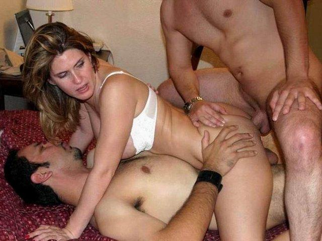 what do you do at a swingers club