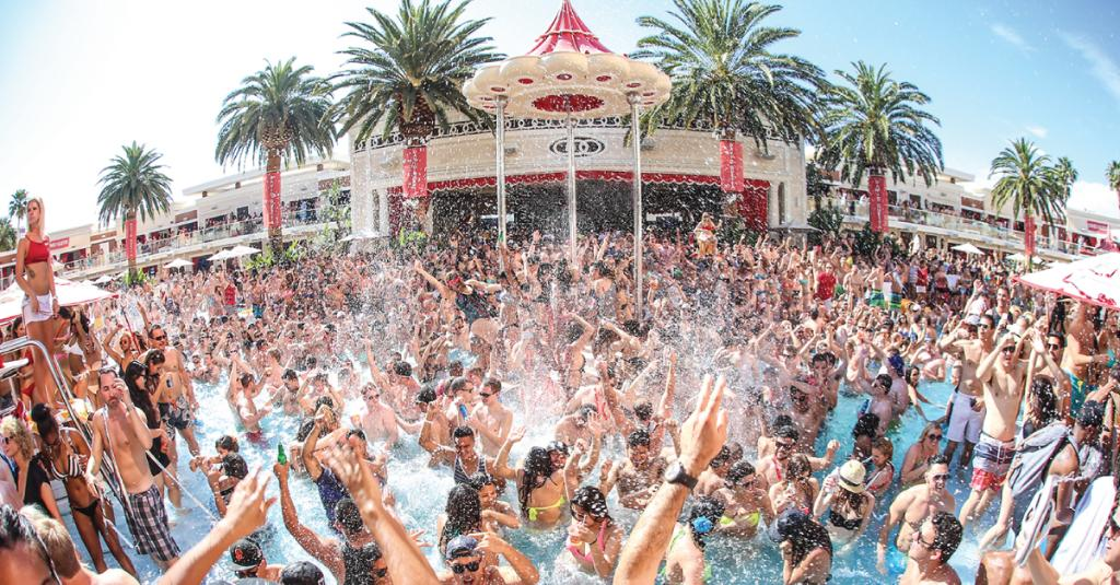 A6: See @DavidGuetta this Saturday at the ultimate pool party destination, @EncoreBeachClub. #VEGASChat http://t.co/aomeiKP8K2