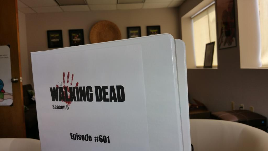 Welcome to #TheWalkingDead #Season6 with xoxo from Georgia http://t.co/vntV1sC3hV