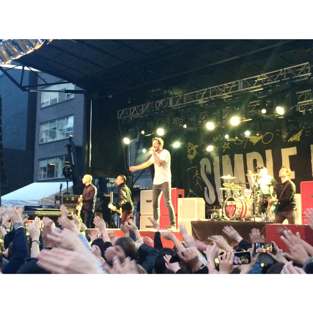 @simpleplan in the @Much parking lot for the @cocacola_ca @FIFAWWC #TrophyTour http://t.co/zmgEyC5q3h