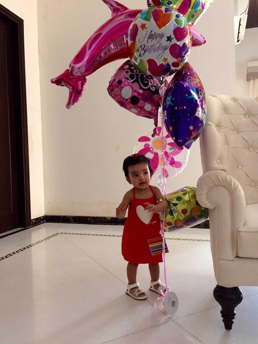 Photo of Gautam Gambhir  & his  Daughter  Aazeen Gambhir