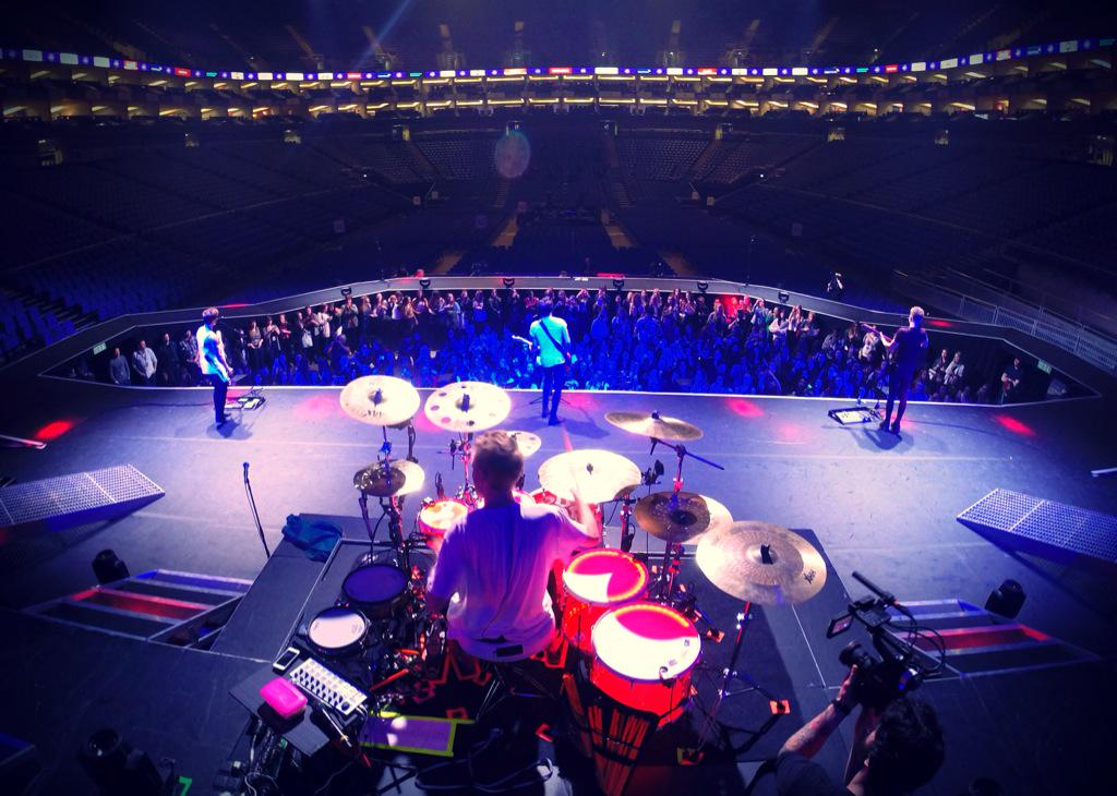 @TheVampsband soundcheck @TheO2 @JoeJONeill @TheVampsTristan http://t.co/BIfDtuUtq9