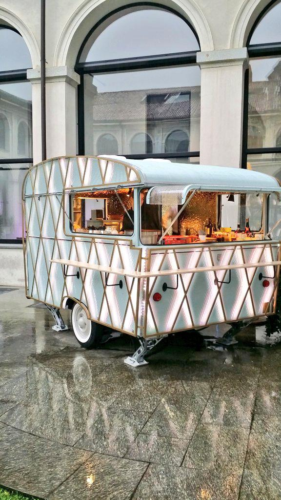 canon le food truck meert en mode caravane customis e l 39 expo de milan expo2015 textifood. Black Bedroom Furniture Sets. Home Design Ideas