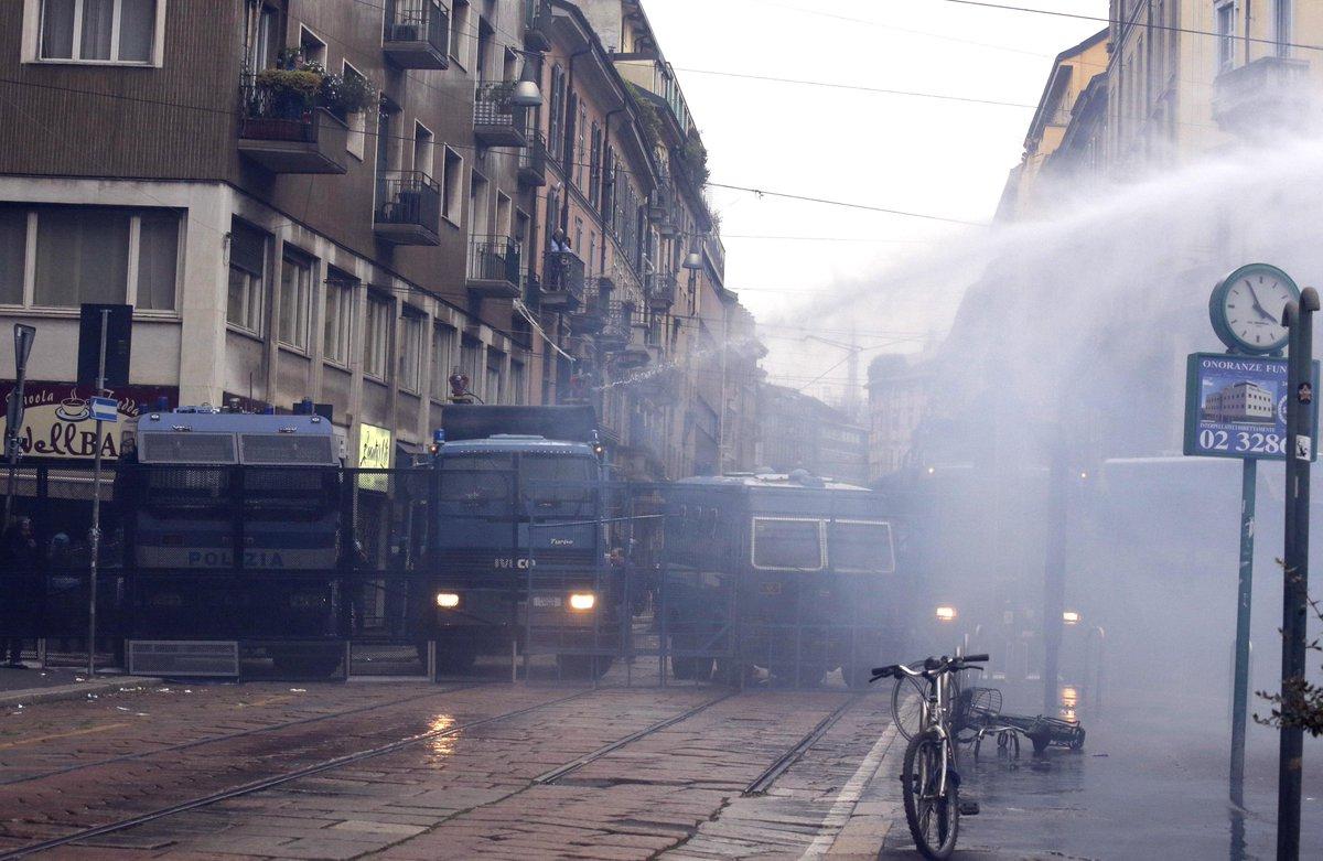 "EXPO 2015, devastata Milano dalle ""tute nere"""