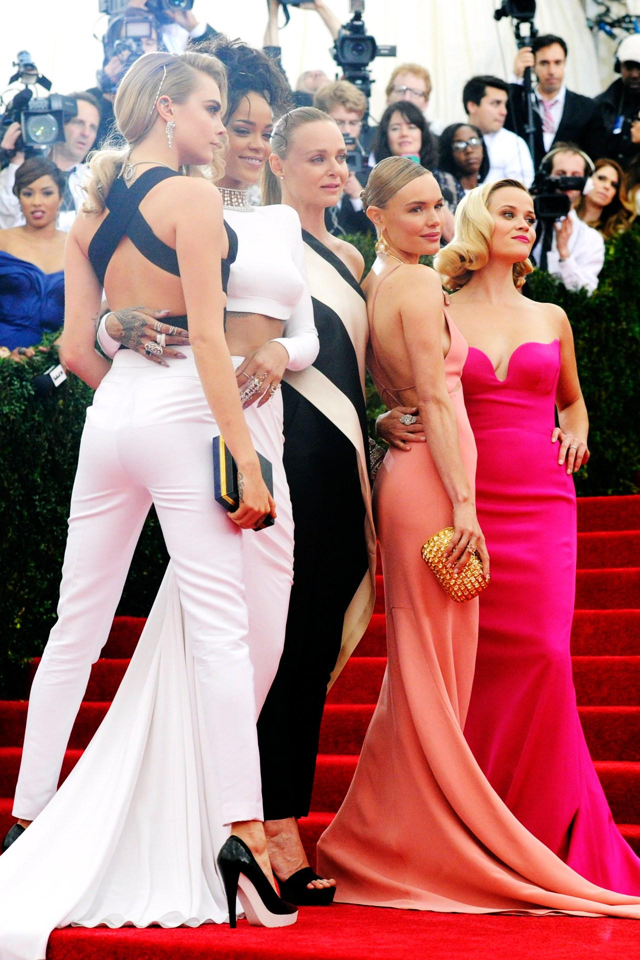 RT @BritishVogue: With the Met Ball 2015 just around the corner, take a look back at last year's red carpet: http://t.co/JTgCrYWFko http://…