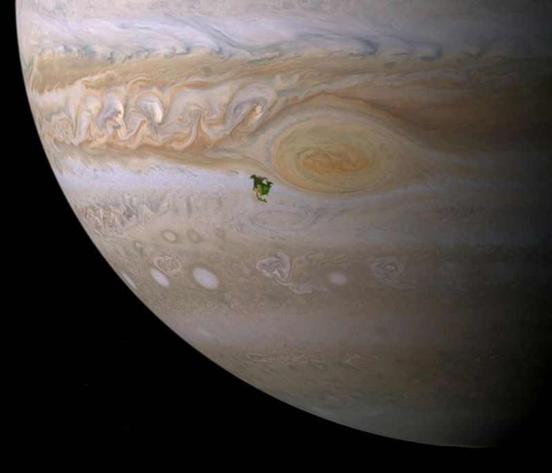 What North America would look like on Jupiter. http://t.co/OogBxpyWwC