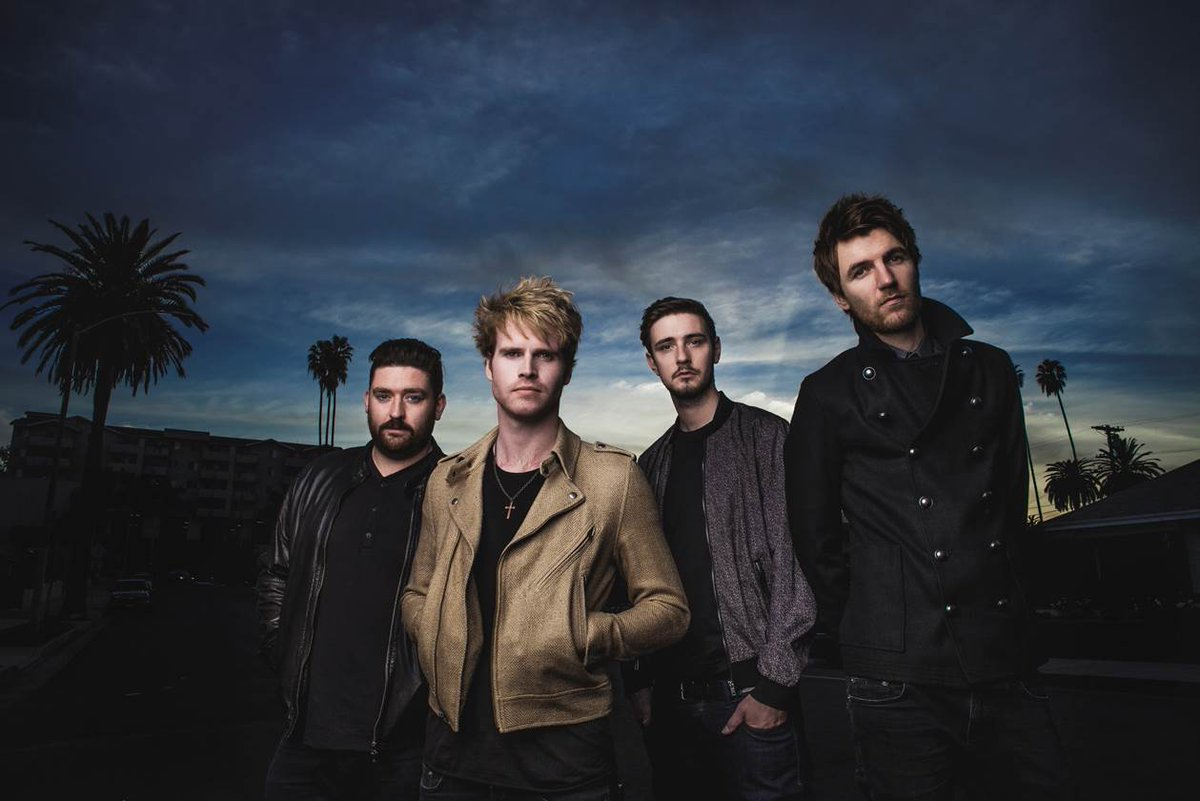 Coming up at @emosaustin!! Tomorrow night, @Kodaline w/ @gavinjames!! Grab your tickets here: http://t.co/C4gtytpcWH http://t.co/VyuH65Gxzu