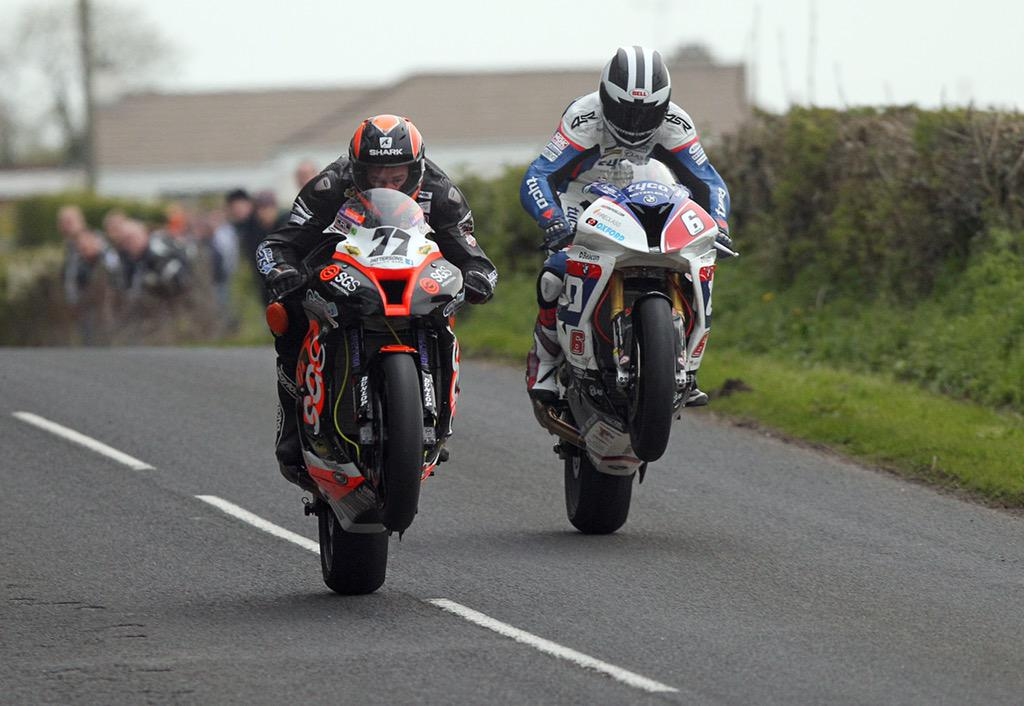 [Road Racing] Tandragee 100 2015  CD8qw5VWEAMwL2Y