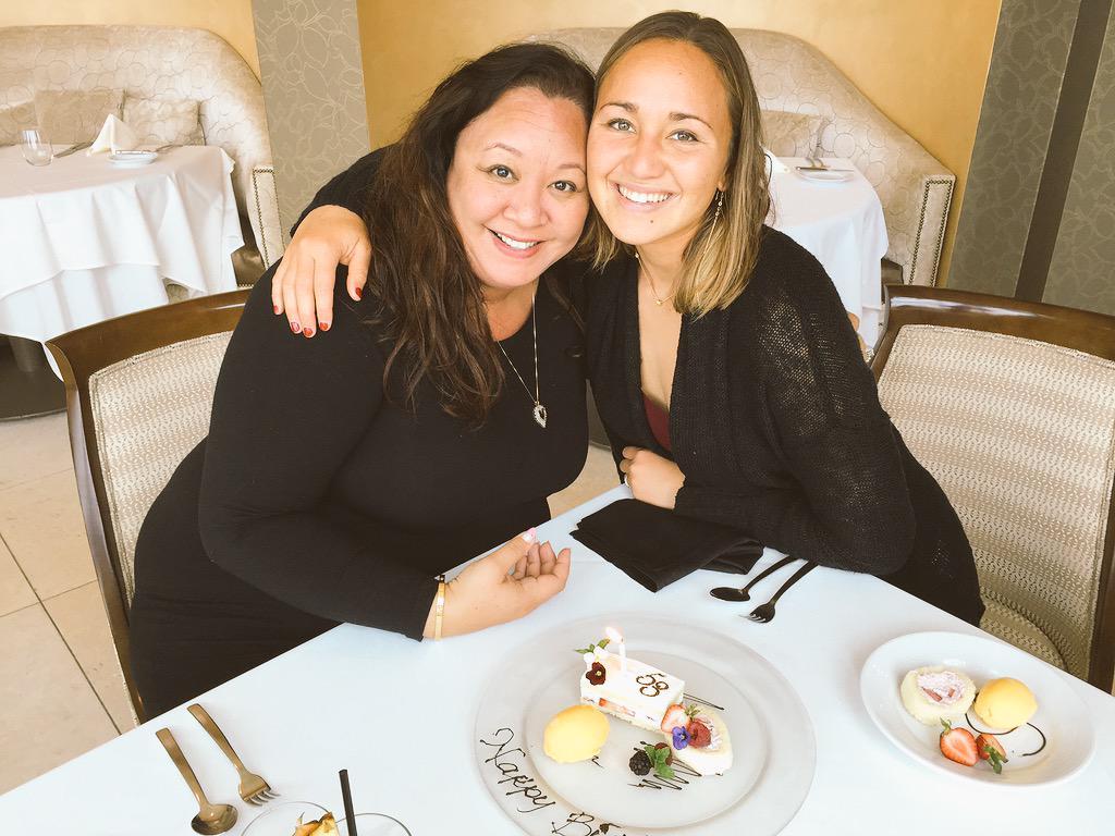 Foto di Carissa Moore  & il suo madre  Carol Lum