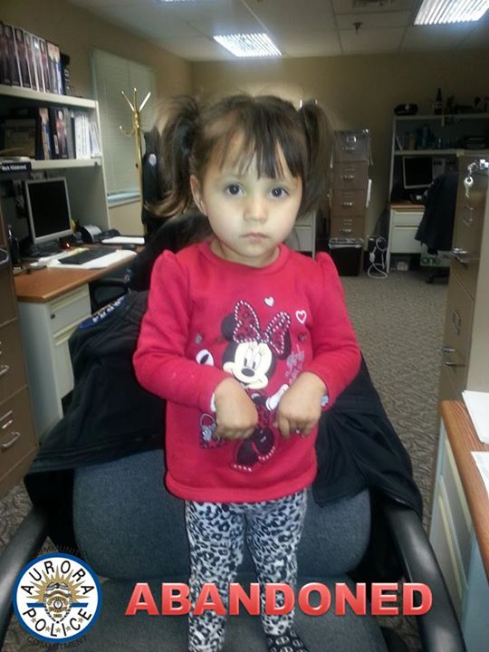 Please RT! Child abandoned at Aurora restaurant, police seek help   http://t.co/tiqM2m7Whl http://t.co/kyzxHWQlbA