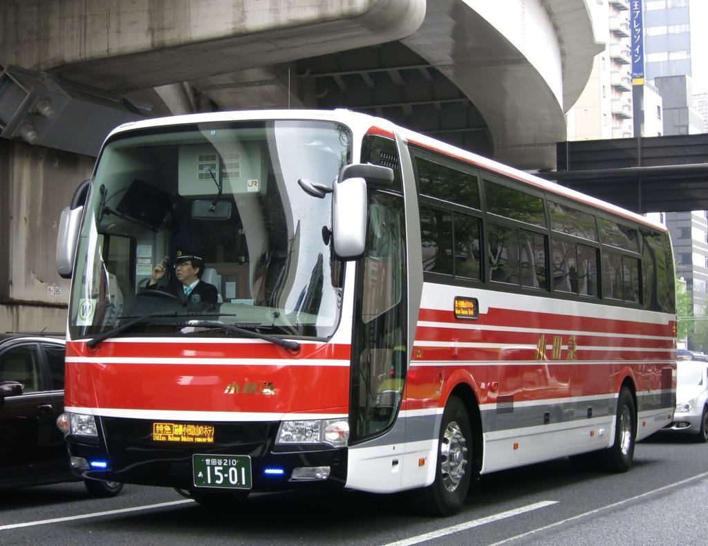 小田急箱根高速バスの復刻塗装 ...