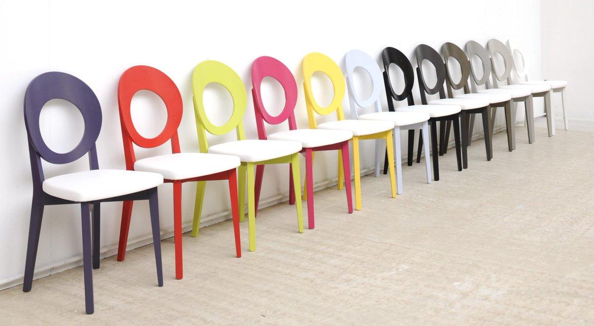 Cuisinella on twitter optez pour des chaises aux - Chaises cuisine couleur ...