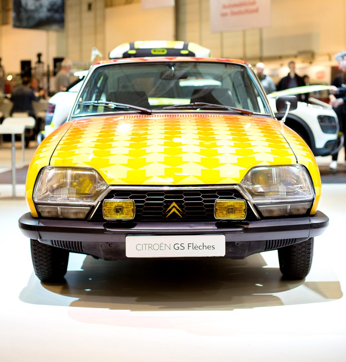[SALON]  Techno Classica Essen CDC5Q05WIAA5nNX