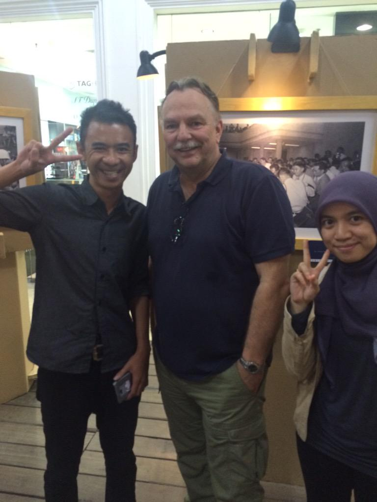 PIC.Disini banyak turis yg dtg hanya utk menyaksikan pameran foto Bandung 1955 loh.Ayo ke PVj @Your_Bandung #AAC2015 http://t.co/oyFzfZLSzR