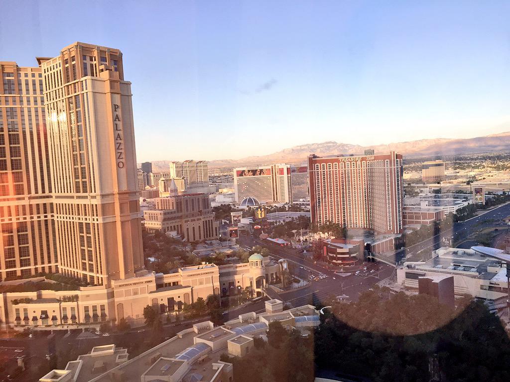 kt_hudson: Good morning Vegas! #MagentoImagine http://t.co/DoHEWAOJ3x