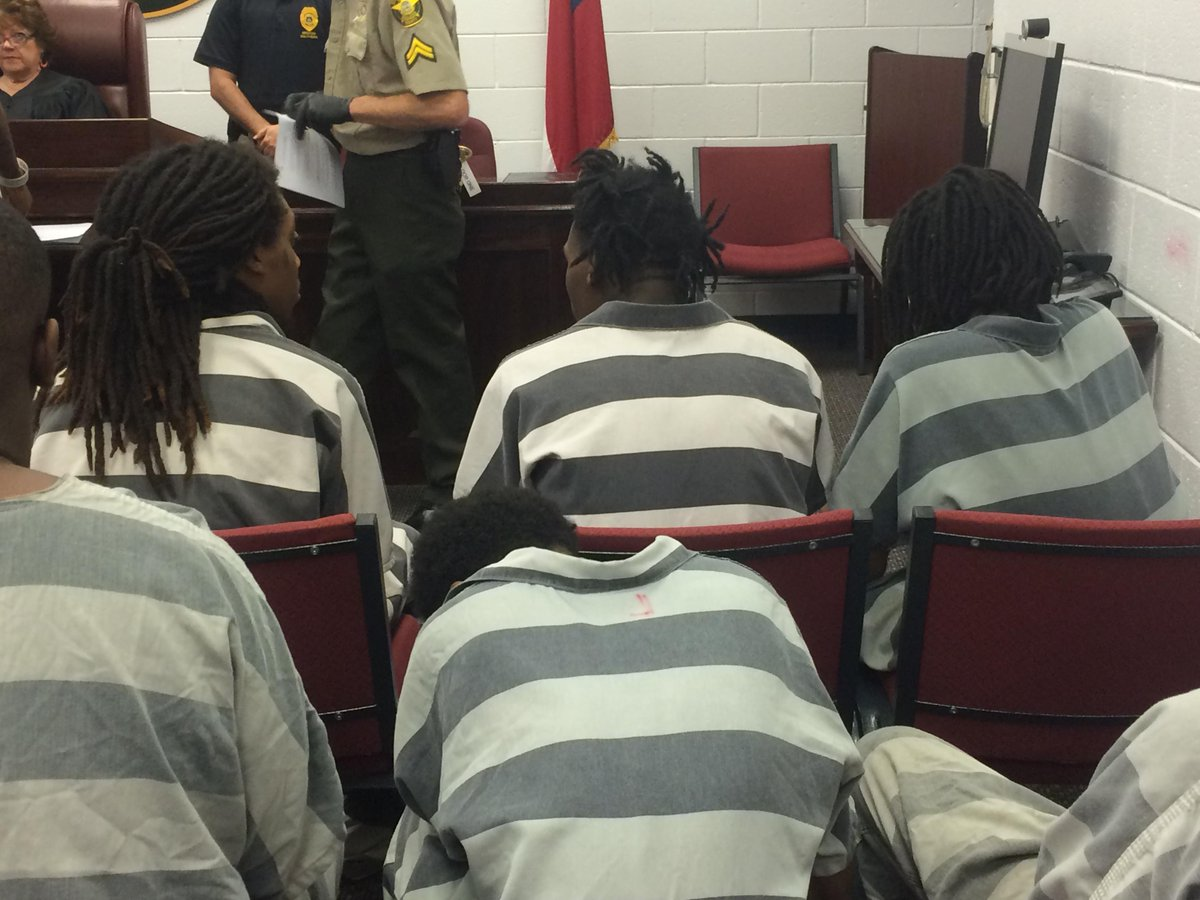 #Update Everyone denied bond. #Migos #court http://t.co/jUtN0ORLd7
