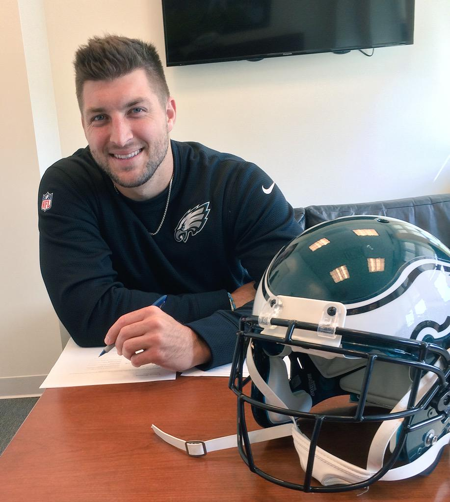 Welcome to the City of Brotherly Love, @TimTebow! #FlyEaglesFly http://t.co/AgMLhTk7CV