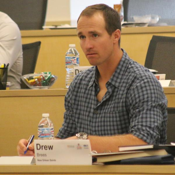 Drew Brees: He takes notes in Ross classes just as attentively as you do! http://t.co/S2sYBv2BDp http://t.co/oDYwhLwZJy