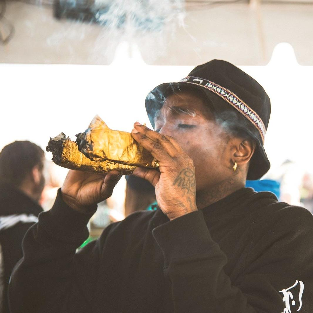 dizzy wright on twitter quotsmoking this big ass gold quotcrown