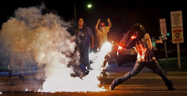 The 2015 Pulitzer Prize-entry photographs from Ferguson http://t.co/aRAN56WBfY http://t.co/SgXGttms7R