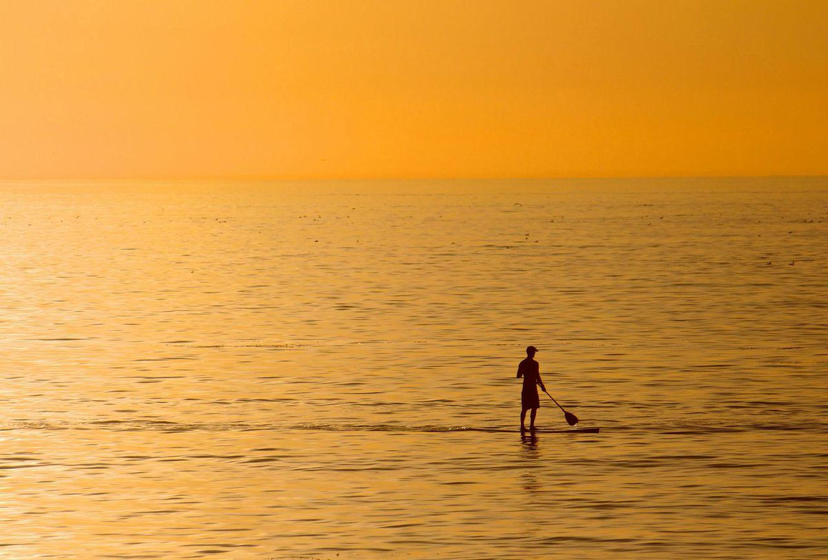 Add it to your bucket list: sunset SUP in #RedondoBeach @DiscoverLA #visitCA http://t.co/0DqQgfbJZD