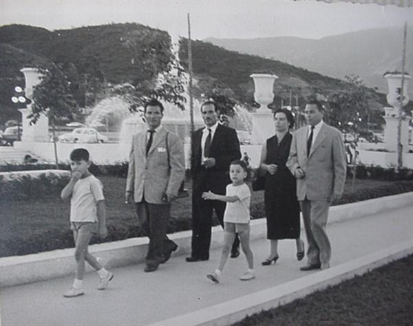 la epoca dorada de Venezuela: durante el Gobierno del General Marcos Pèrez Jimènez - Página 3 CDE304gWAAAneUs