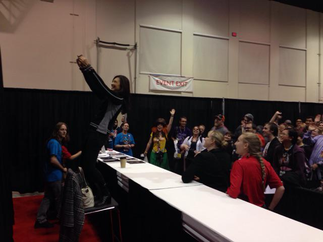 .@MingNa taking a selfie with fans before signing at #CalgaryExpo @Calgaryexpo on Saturday morning. http://t.co/KNnumStmWX
