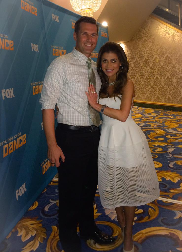 Thx so much, Sean! *hugs* xoP RT @SeanFOX5: Pretty sure @PaulaAbdul is one of my favorite people! Such a sweetheart! http://t.co/II6inYNMAU