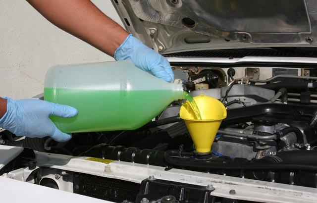 Online nuovo negozio per olio motore e altri prodotti per l'automobile