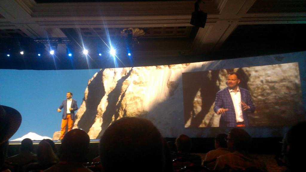 flagbit: Los geht's in Las Vegas mit der ersten Keynote. Wir sind gespannt! #ImagineCommerce http://t.co/TWyKBXGuLd
