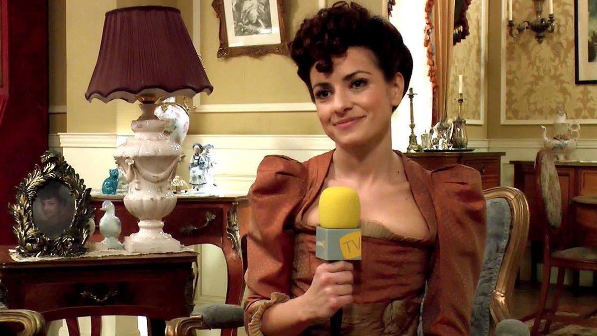 """Acacias 38 on Twitter: """"Anita del Rey: """"Trini es uno de los personajes más desnudos de 'Acacias 38′"""" http://t.co/7GJvNhkiuY http://t.co/6SgLyuNN6D"""""""