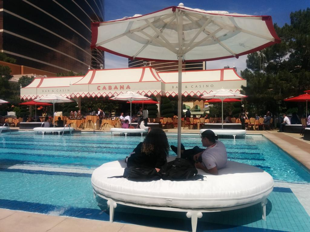 cshivaratri: Working-lounging lunch. That is a Wynn-Wynn #ImagineCommerce http://t.co/UxqY2Wcfcm