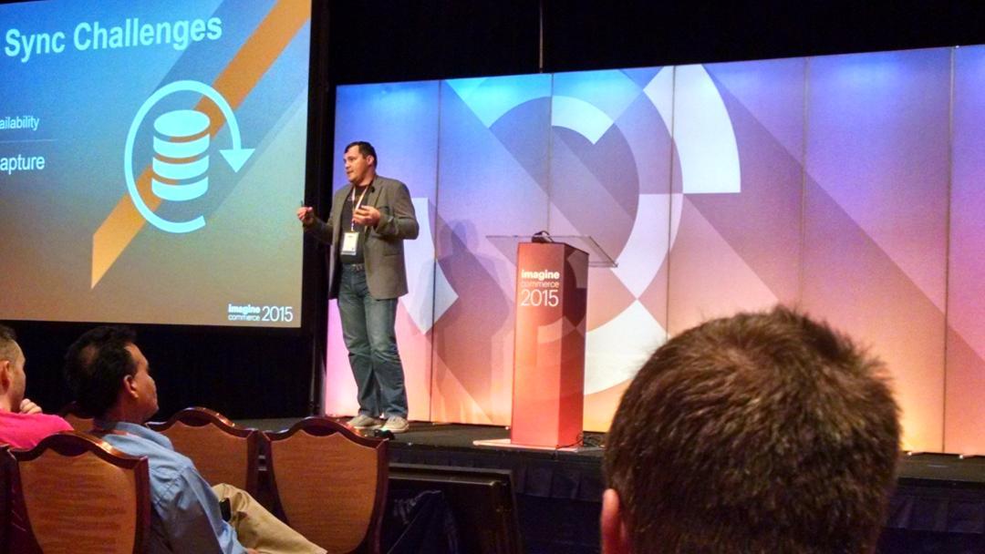 barbanet: @dmitriysoroka de @OroCRM sobre integraciones vía API #ImagineCommerce http://t.co/CFTscgB2z1