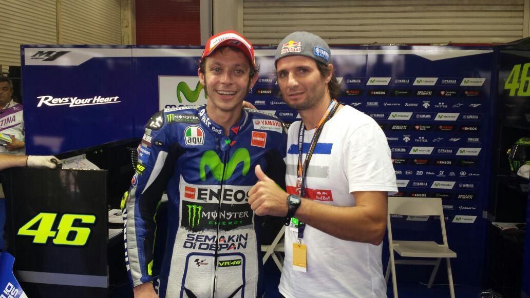 Ahora si la foto con el #1 gran ganador de la copa @redbullARG del @MotoGP en @CircuitoTRH gracias por la onda groso http://t.co/A5vbW59XIy