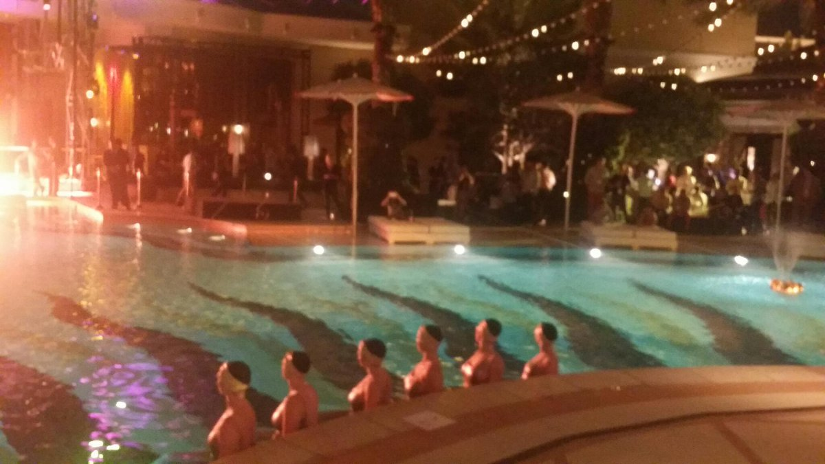 LawrenceByrd: Pool time at #imaginecommerce http://t.co/zjjyo9hyQI