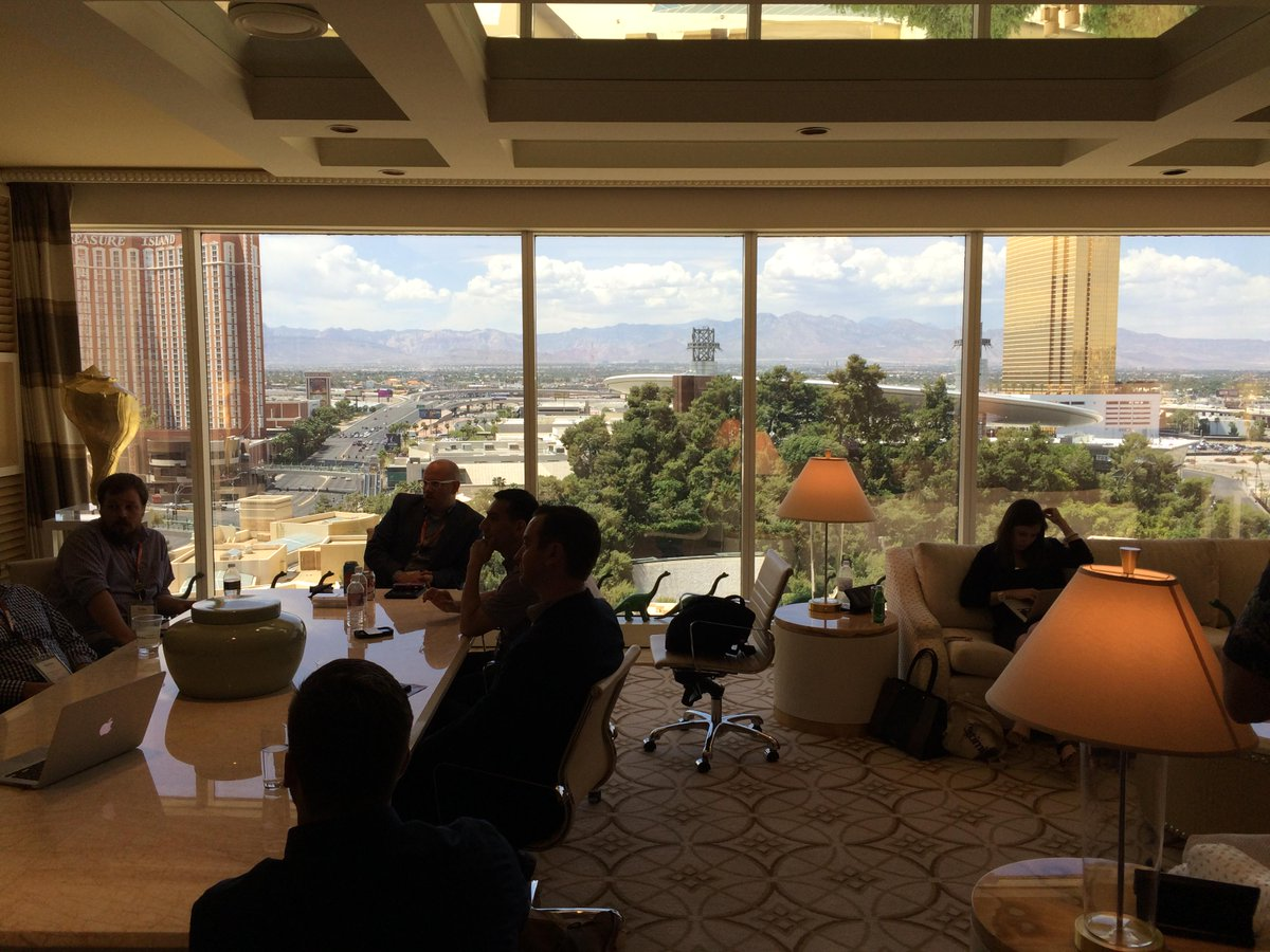 Optimizely: Not a bad view from the Optimization Suite at @WynnLasVegas during #ImagineCommerce http://t.co/UGJKztSLmj