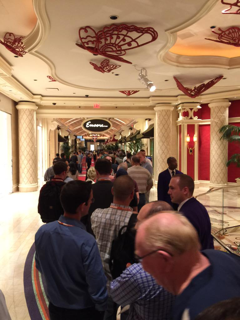 JoshuaSWarren: #ImagineCommerce #protip - XS is checking ID of everyone and the line is very long. Come back later... http://t.co/XyTBnrF4kK