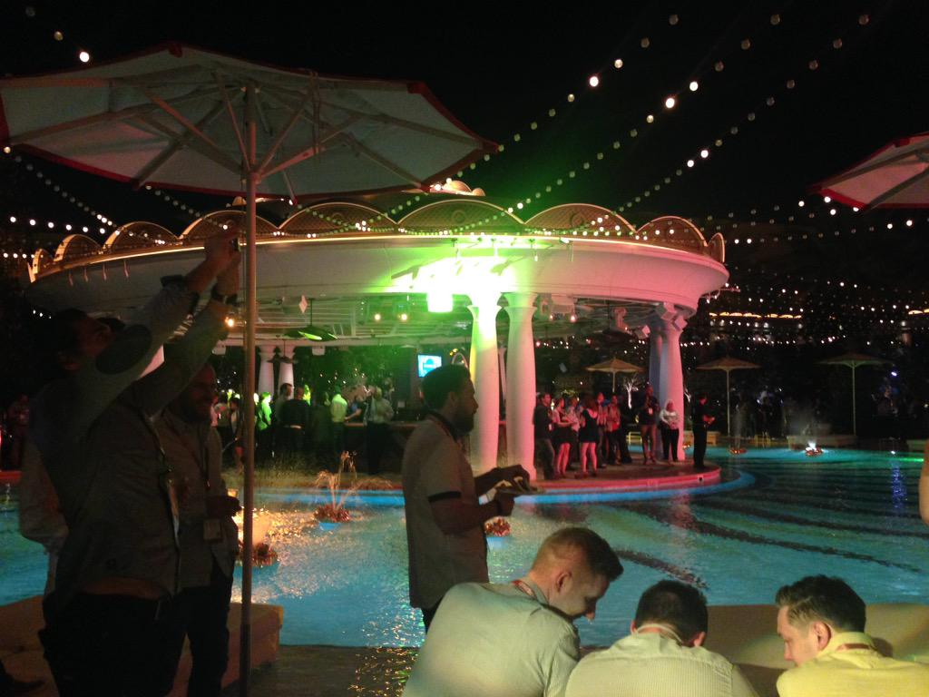 hiroantagonista: Oh man @MagentoKeren knows how to throw a party #Wynn #ImagineCommerce #magento http://t.co/TxIsdvumGI