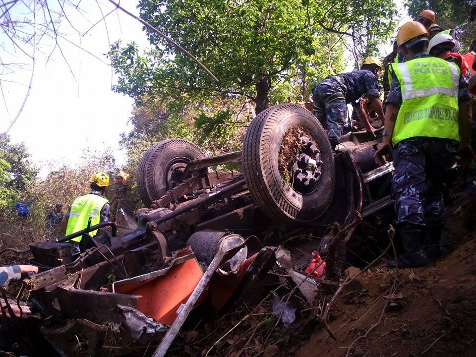 धादिङमा बस दुर्घटनामा मृतकको संख्या १७ पुग्यो (अपडेट)