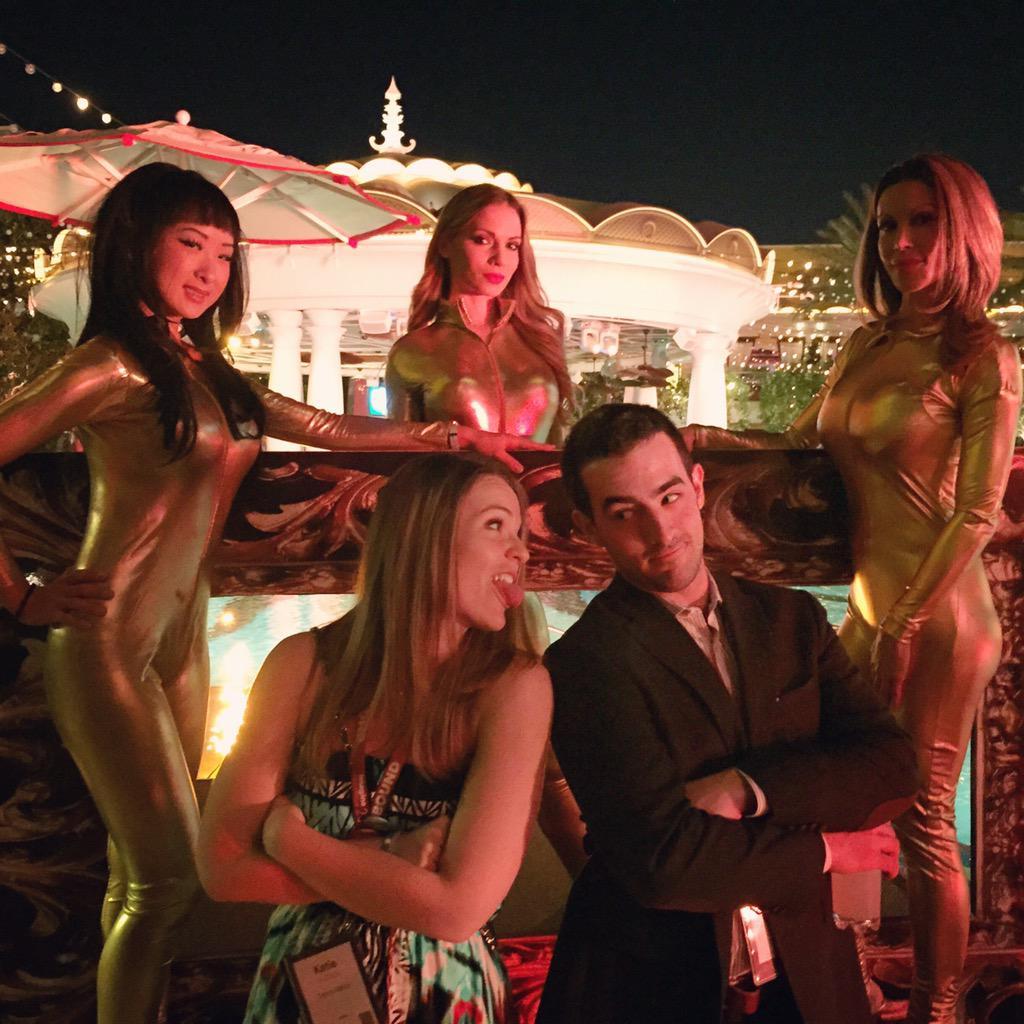 kt_hudson: Vegas be like.... #MagentoImagine #ImagineCommerce http://t.co/xCswVDpDPT