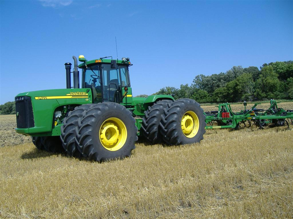 . @JohnDeere Ownership Destroyed? http://t.co/XTUYlOhtg4 Farmers don't own their tractors, they just license them #ag http://t.co/9u5qoBTiBr