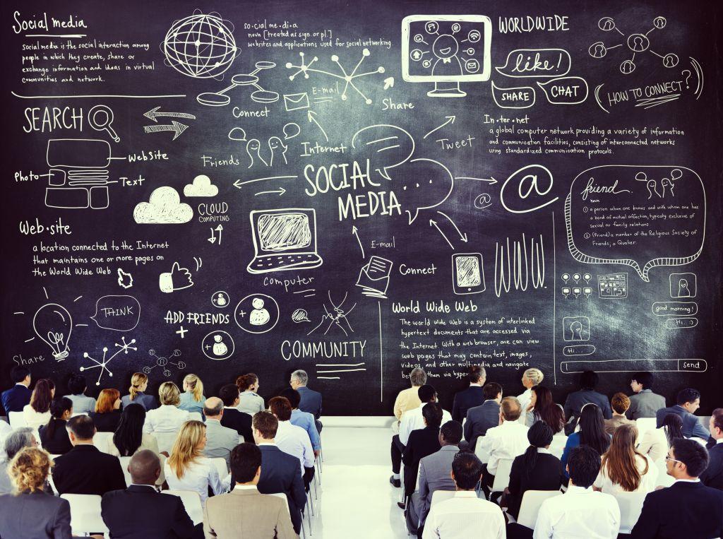 #Csuite Risk: Managing Social Media Risks to Reputation http://t.co/PixNhFpI6g #cxo #socialmedia http://t.co/MkAb7fGANU
