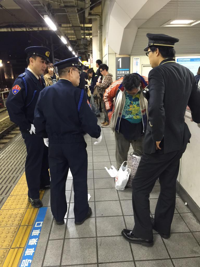 【朗報】左足壊死おじさん、ついに警察に保護される