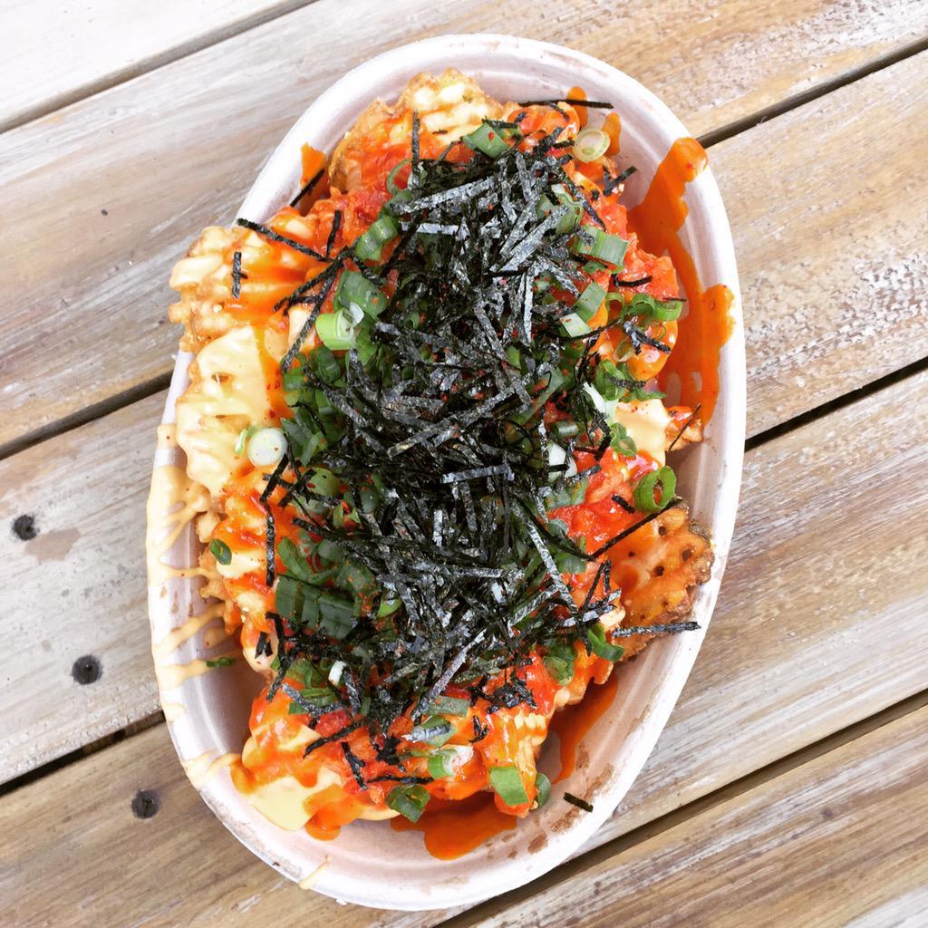Notorious Kimchi Waffle Fries w cheddar, kimchi, salsa, scallions + nori! Coming tomorrow at St. Mark's! #tweats http://t.co/MrrOFNurmR