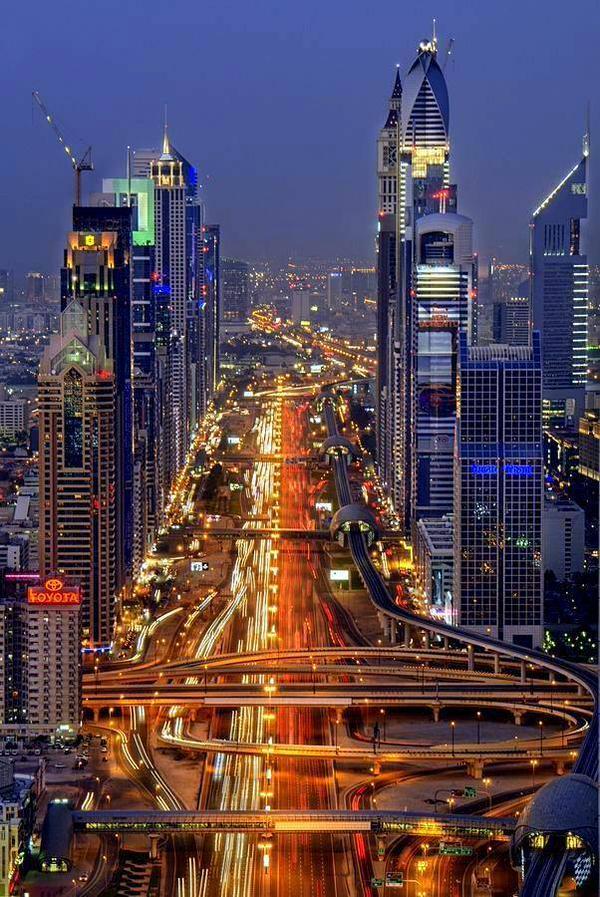 Dubai, the city that never sleeps! #Dubai http://t.co/7QywaiBZ7Y