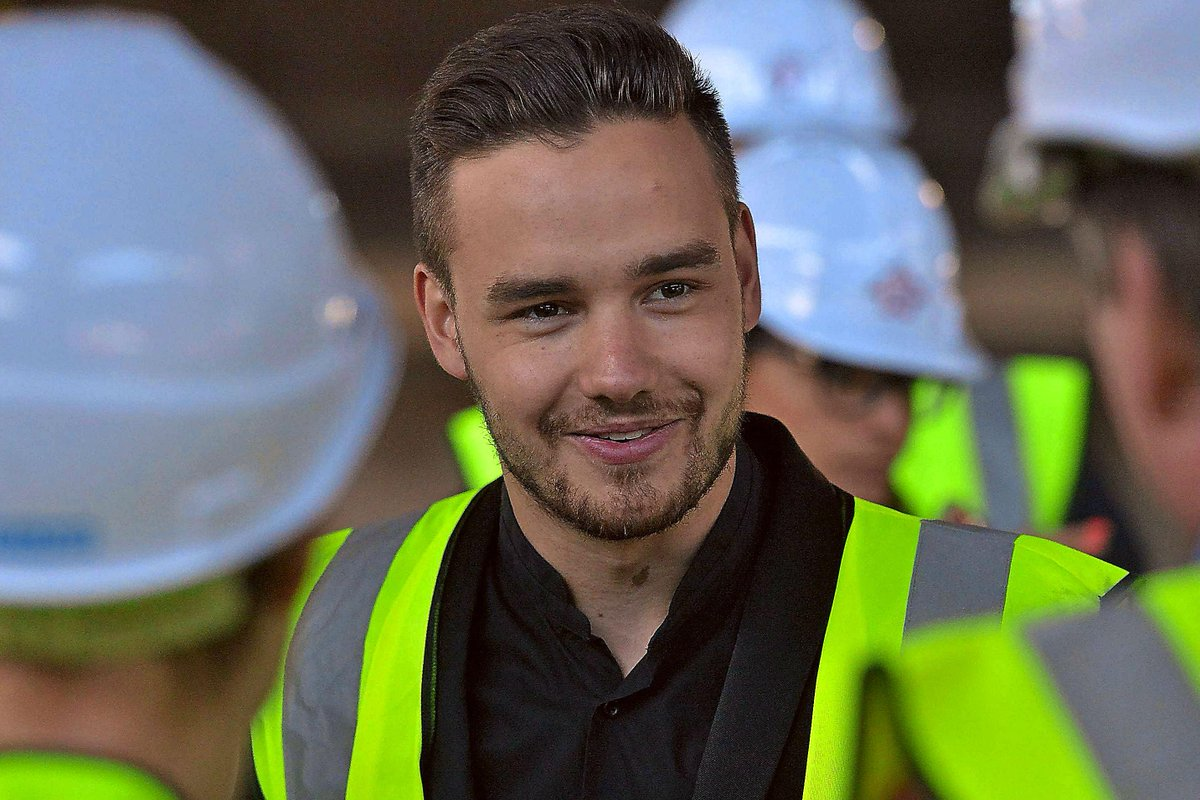 #OneDirection star #LiamPayne in #Wolverhampton for @TheWayYouthZone event  @Real_Liam_Payne http://t.co/JgbXHbq1N9 http://t.co/VpocNsKGCk