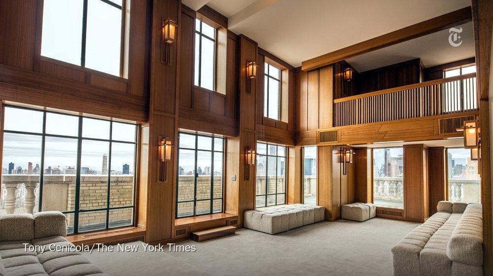 Demi Moore is selling her San Remo tower penthouse for $75 million. http://t.co/XyBvqOL7sJ @justdemi http://t.co/9Mj1aLdZdJ