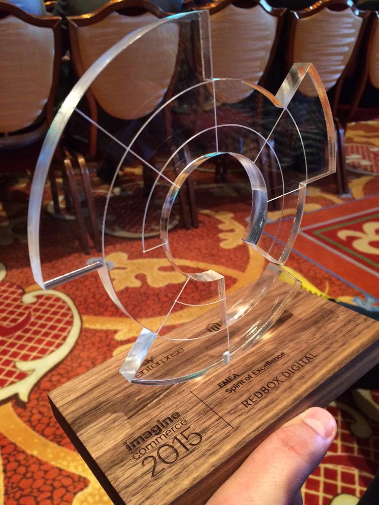 Tbajo: Another award in the bag #redboxdigital rocks #MagentoImagine #2015 http://t.co/JYD0yFFG81