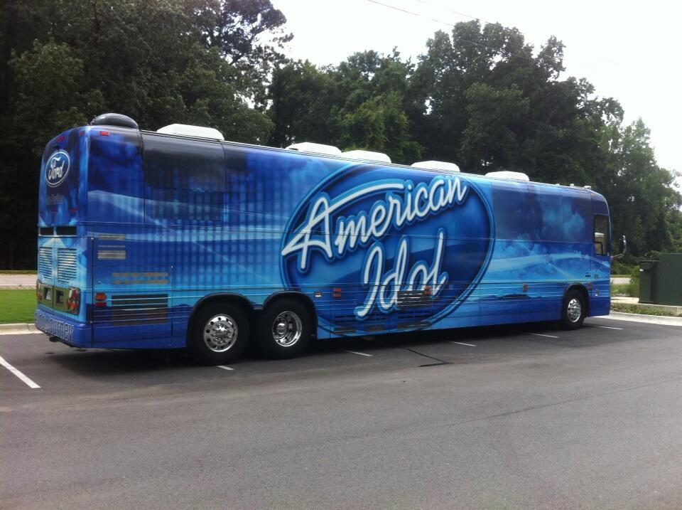 Watch out Quentin, the Idol bus is coming for you. http://t.co/UDTZj3fHTY