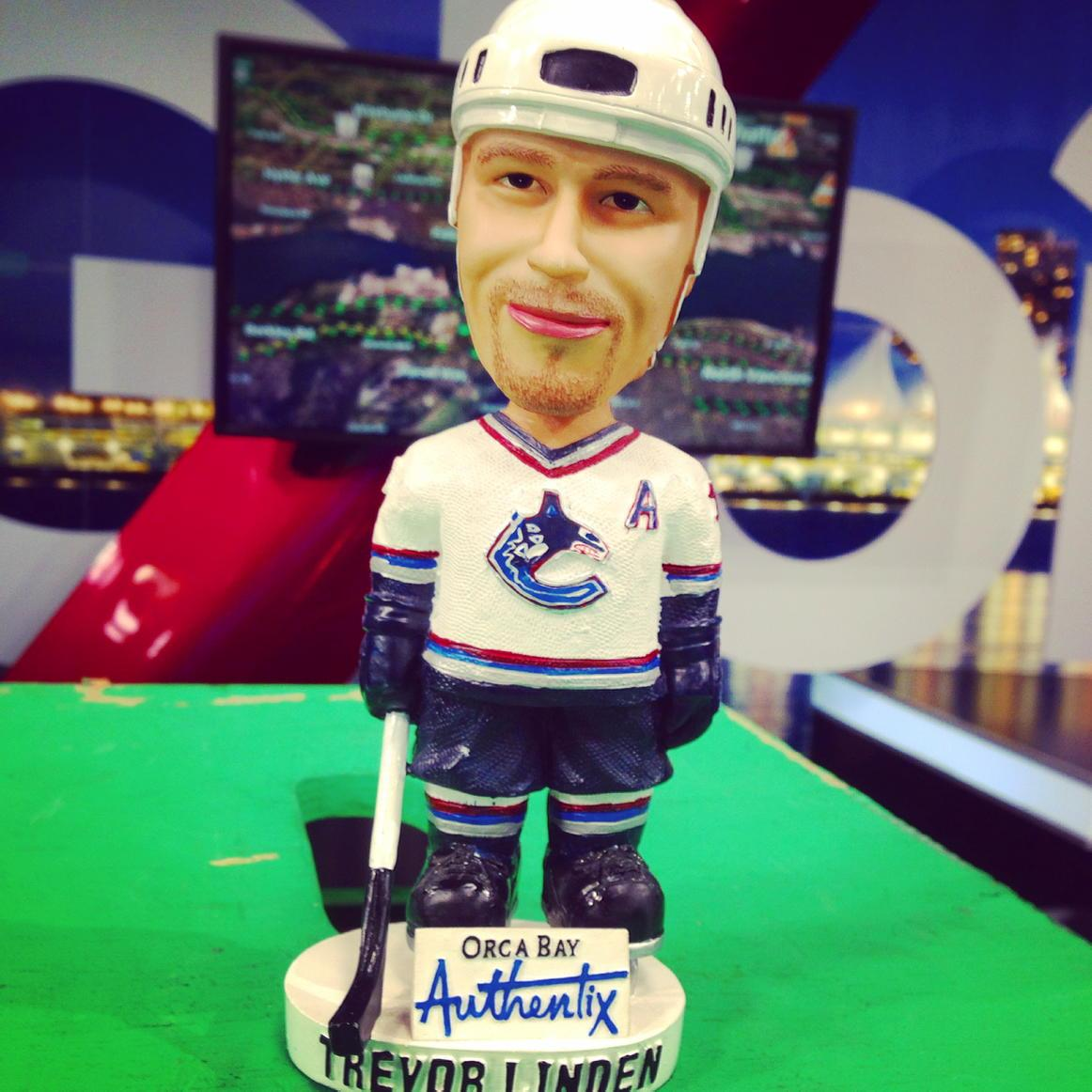 Channeling the @VanCanucks 1st round comeback of the '94 season with @trevor_linden bobble head  #gocanucksgo http://t.co/lDae9KntAw